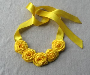 Rose necklace yellow Textile flower Fabric roses