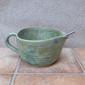 batter mixing or pouring bowl, sauce jug, serving pitcher, hand thrown pottery ceramic stoneware
