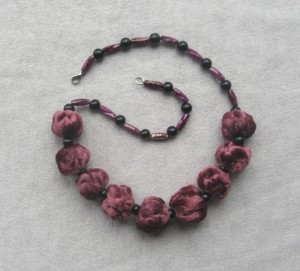 Bordeaux Beaded necklace boho Fabric velvet with black bead
