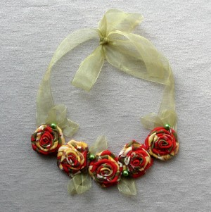 Roses necklace Green Red Yellow rose necklaces Textile flowers necklace