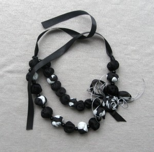 Black and white bead necklace Beaded textile necklace Rose necklaces Statement Summer jewelry