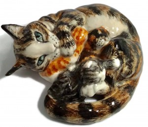 Cat with kittens Minnie porcelain cat sculpture