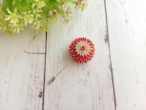 Flower Lapel Pin for Men and Women, Red Chrysanthemum Kanzashi flower brooch, boutonniere