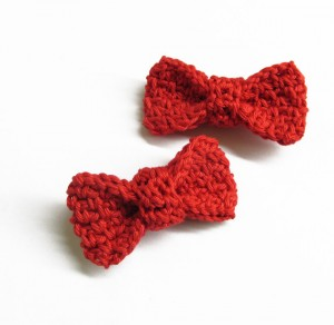Red Crocheted bow appliques