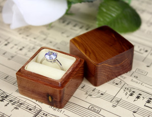 Cedar Wood Ring Box